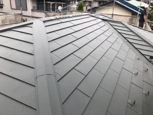 現場レポート② 厚木市O様邸-4 屋根カバー工事 棟板金 (9月21日)